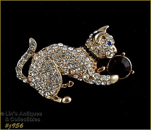 EISENBERG ICE PIN RHINESTONE CAT PLAYING WITH RHINESTONE BALL