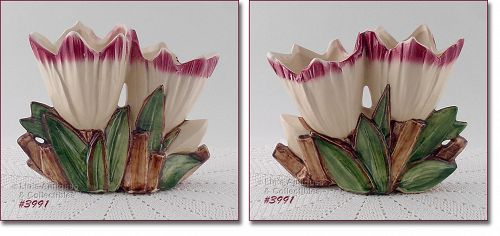 McCOY POTTERY VINTAGE SHORTER DOUBLE TULIP VASE WITH MAUVE COLOR TIPS