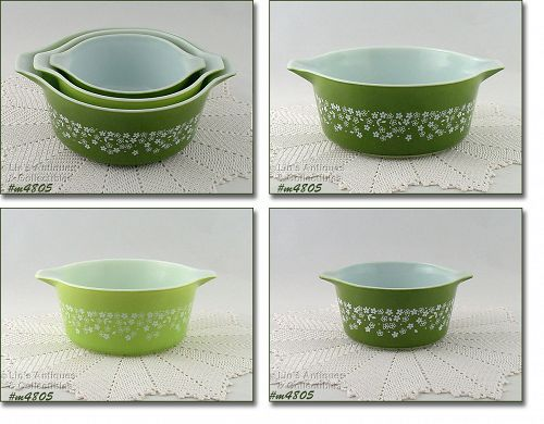 PYREX SET OF THREE VINTAGE SPRING BLOSSOM 2 PATTERN NESTED BOWLS