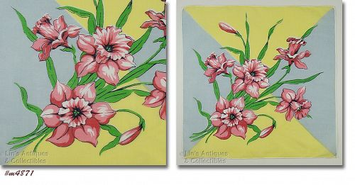 VINTAGE HANDKERCHIEF WITH LARGE PINK DAFFODILS