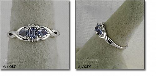 10K WHITE GOLD TANZANITE RING WITH DIAMOND ACCENTS SIZE 7