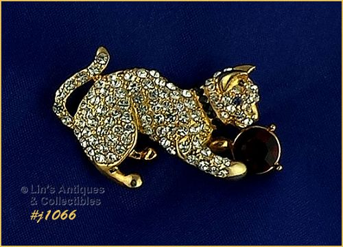 EISENBERG ICE PIN RHINESTONE KITTEN CAT PLAYING WITH RHINESTONE BALL
