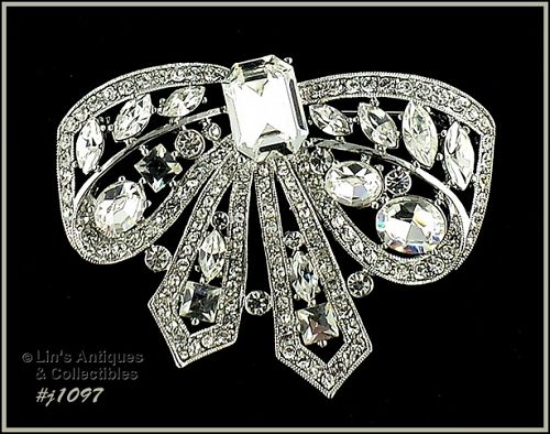 EISENBERG ICE SILVER TONE LARGE BOW SHAPED PIN WITH CLEAR RHINESTONES