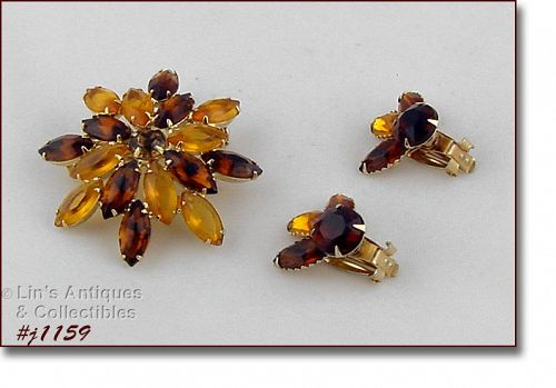VINTAGE TOPAZ COLOR RHINESTONE BROOCH AND EARRINGS SET