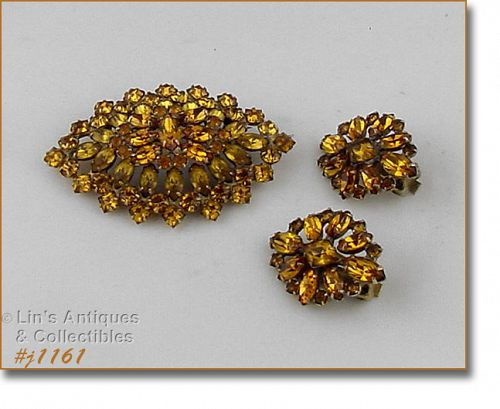 TOPAZ COLOR RHINESTONE VINTAGE BROOCH AND MATCHING EARRINGS SET