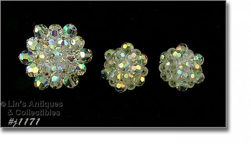 VINTAGE AURORA BOREALIS BEADS BROOCH AND MATCHING EARRINGS