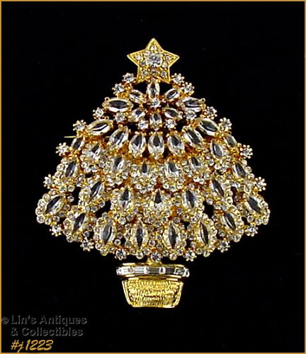 EISENBERG ICE SIGNED CLEAR RHINESTONES GOLD TONE CHRISTMAS TREE PIN