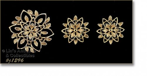 Signed Sarah Coventry Vintage Pin and Earrings Set