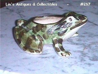BRUSH MCCOY POTTERY -- VINTAGE CAMOUFLAGE COLOR FROG PLANTER