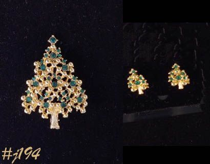 EISENBERG ICE CHRISTMAS TREE PIN AND MATCHING PIERCED EARRINGS
