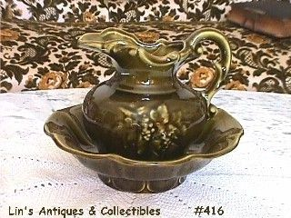 McCOY POTTERY VINTAGE PITCHER AND BOWL IN AVOCADO GREEN COLOR