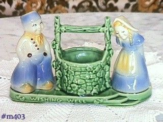 SHAWNEE POTTERY VINTAGE WISHING WELL PLANTER IN MINT CONDITION