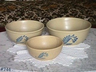 McCOY POTTERY SET OF THREE BLUEFIELD NESTED MIXING BOWLS