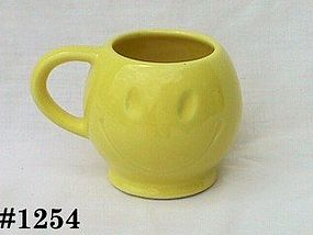 McCOY POTTERY -- HAPPY FACE MUG (LEMON  YELLOW)