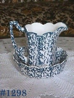 McCOY POTTERY VINTAGE BLUE COUNTRY PITCHER AND BOWL