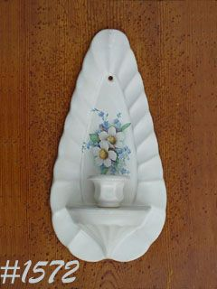 McCOY POTTERY -- FLORAL COUNTRY SCONCE/CANDLE HOLDER