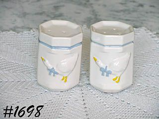 McCOY POTTERY COUNTRY ACCENTS SALT AND PEPPER SHAKER SET