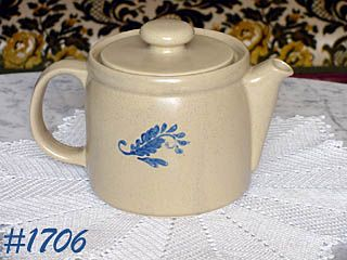 McCOY POTTERY -- VINTAGE BLUEFIELD TEAPOT