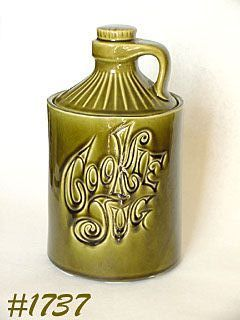 McCOY POTTERY NEW DESIGN COOKIE JUG IN OLIVE GREEN COLOR