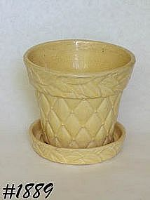 McCOY POTTERY -- DIAMONDS W/LEAVES FLOWERPOT (YELLOW)