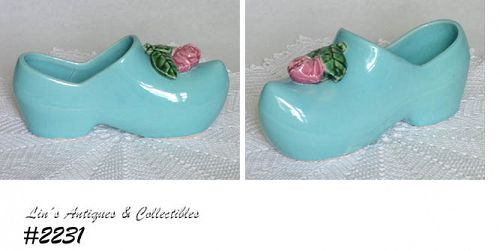 McCOY POTTERY -- DUTCH SHOE PLANTER (BLUE)