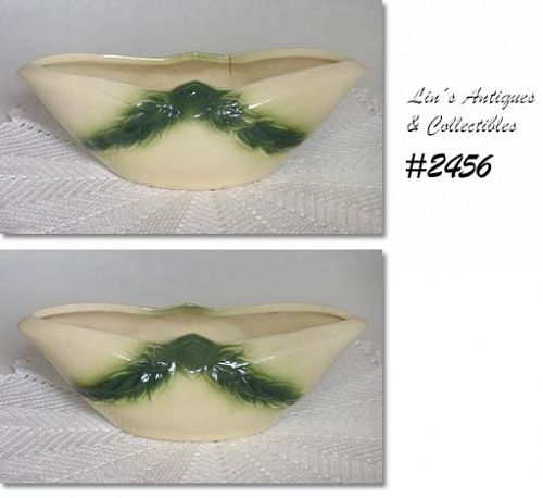 McCOY POTTERY -- GRECIAN LINE FLOWER DISH (W/OUT GOLD)