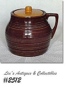 McCOY POTTERY -- SUBURBIA WARE BEAN POT