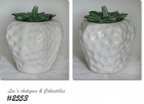 McCOY POTTERY WHITE STRAWBERRY VINTAGE COOKIE JAR