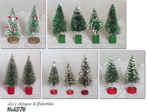 ASSORTMENT OF VINTAGE BOTTLE BRUSH CHRISTMAS TREES