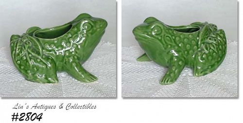 McCOY POTTERY � CHUBBY FROG PLANTER