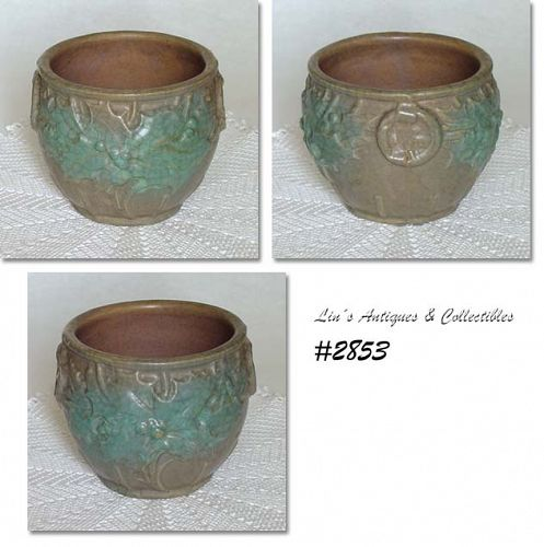 McCOY POTTERY HOLLY BERRIES AND LEAVES JARDINIERE IN A RARE COLOR