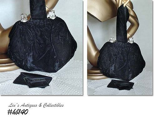 VINTAGE BLACK VELVET HANDBAG WITH LUCITE TRIM ACCENTS