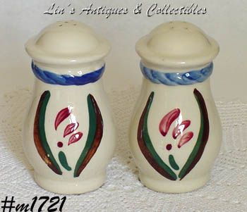 SHAWNEE POTTERY PENNSYLVANIA DUTCH 5 1/8 INCH TALL SHAKER SET