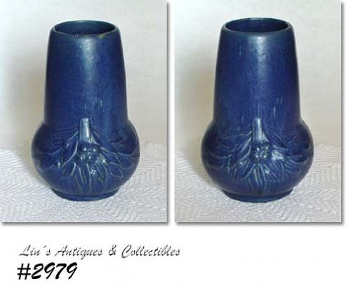 McCOY POTTERY VINTAGE LOY NEL ART BLUE VASE MADE IN 1932