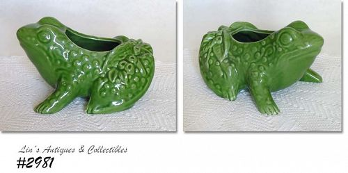 McCOY POTTERY -- FAT FROG PLANTER