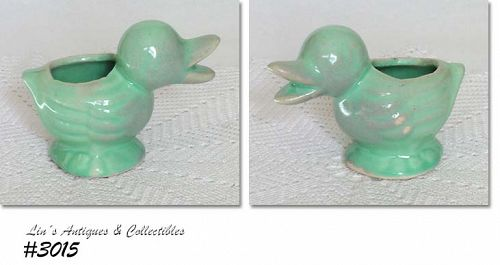 McCOY POTTERY -- LITTLE DUCK PLANTER IN PRETTY GREEN COLOR