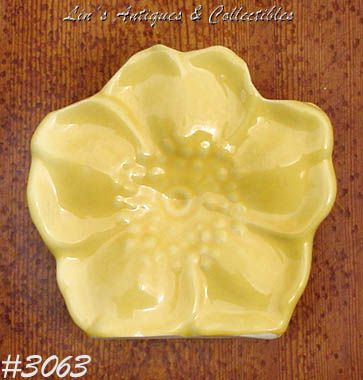 McCOY POTTERY -- YELLOW FLOWER WALL POCKET