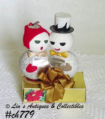 VINTAGE SNOWMAN CHRISTMAS CAROLERS ON A GIFT BOX