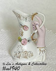 HAND VASE WITH PITCHER