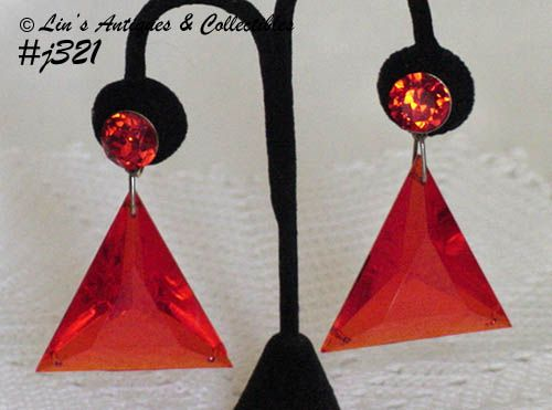 VINTAGE VOGUE ORANGE TRIANGLE DANGLE CLIP BACK EARRINGS