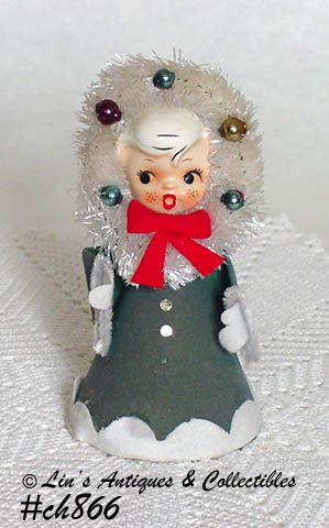 VINTAGE CHRISTMAS GIRL CAROLER