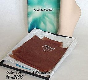 VINTAGE MOJUD SEAMLESS STOCKINGS (10 1/2 M)