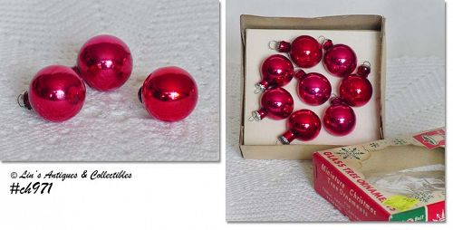 EIGHT SMALL RED ORNAMENTS