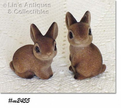 VINTAGE PAIR OF LITTLE BUNNIES FIGURINES BY JOSEF ORIGINALS