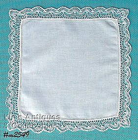 WHITE HANDKERCHIEF WITH CROCHET