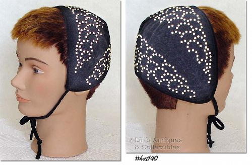 CHILD'S VINTAGE BLACK VELVET BONNET / HAT