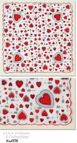 VALENTINE HANKY WITH HEARTS AND ARROWS