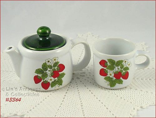 McCOY POTTERY � STRAWBERRY COUNTRY TEA FOR TWO!