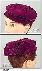 VINTAGE �JANE MORGAN EXCLUSIVE� VELVET HAT