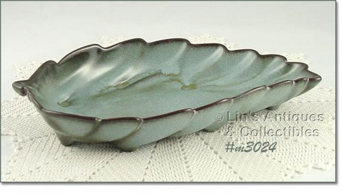 FRANKOMA POTTERY VINTAGE LARGE LEAF SHAPED DISH